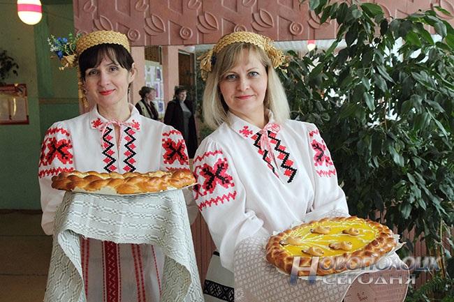 Белая карета, блины с лимоном, «масленичная» выставка. Чем удивляли гостей на празднике «Ярмарка чудес» в Боровухе, фото-10
