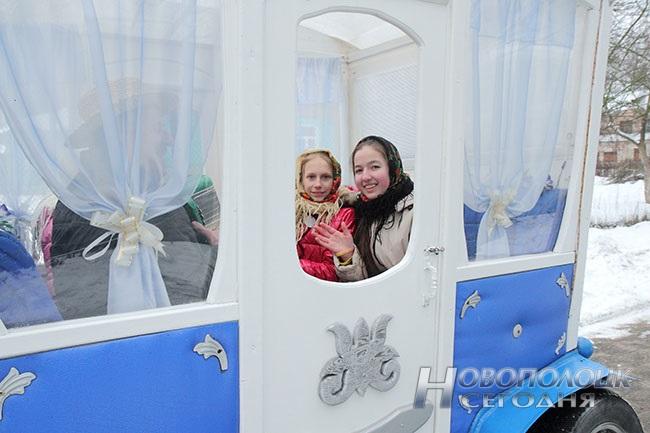 Белая карета, блины с лимоном, «масленичная» выставка. Чем удивляли гостей на празднике «Ярмарка чудес» в Боровухе, фото-7