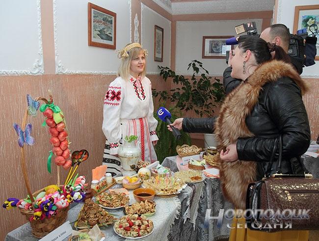 Белая карета, блины с лимоном, «масленичная» выставка. Чем удивляли гостей на празднике «Ярмарка чудес» в Боровухе, фото-9