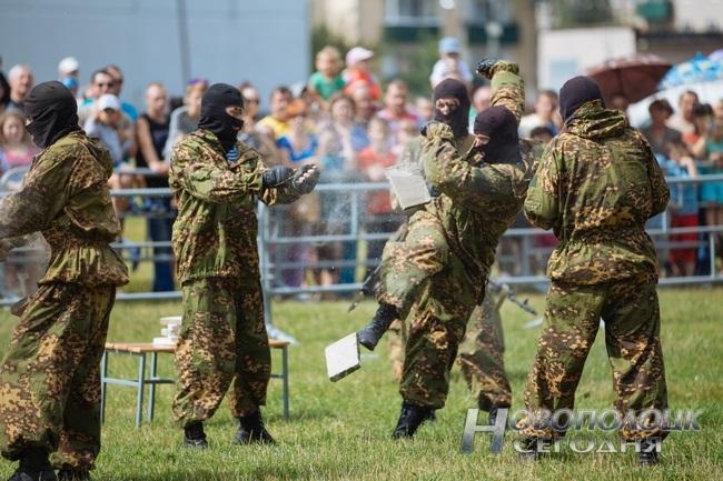 Как в Боровухе отпраздновали День ВДВ. Фоторепортаж, фото-5