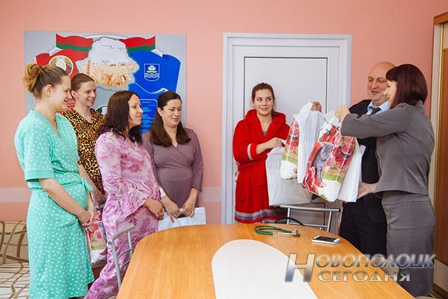В День матери в Новополоцке родилось 6 детей: 4 мальчика и 2 девочки