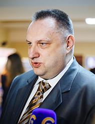 Виктор Якжик