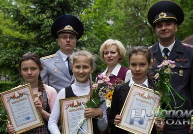 Новополоцкие школьницы задержали грабителя