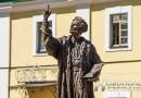 В Полоцком коллегиуме открыли скульптурную композицию «Прафесар Полацкай акадэміі»