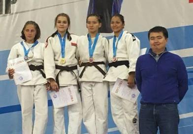 2 медали завоевали воспитанницы Новополоцкого УОРа на международном турнире по дзюдо в Казахстане