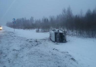 В Полоцком районе перевернулась маршрутка, пострадала 32-летняя женщина