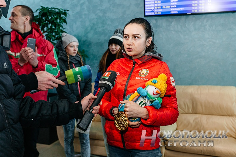 Vstrecha olimpijskih chempionok po biatlonu v Nacional'nom ajeroportu (8)