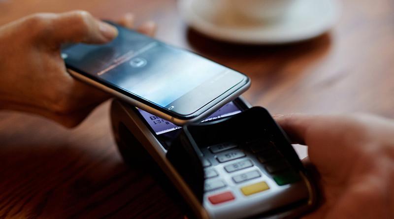 Беларусбанк реализовал для своих клиентов мобильный платежный сервис BELARUSBANK Pay, предоставляющий возможность держателям банковских платежных карточек Mastercard или Maestro проводить бесконтактные платежи мобильным телефоном. Проект реализован в партнерстве с платежной системой Mastercard.