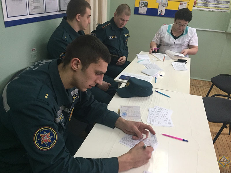 Novopolockie spasateli prisoedinilis' k donorskoj akcii (1)