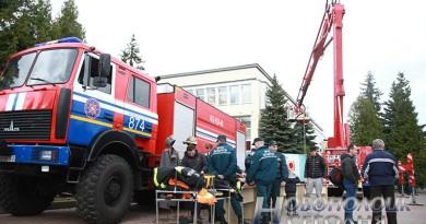 В соревнованиях по пожарному кроссфиту в Новополоцке приняли участие 20 команд (фоторепортаж)