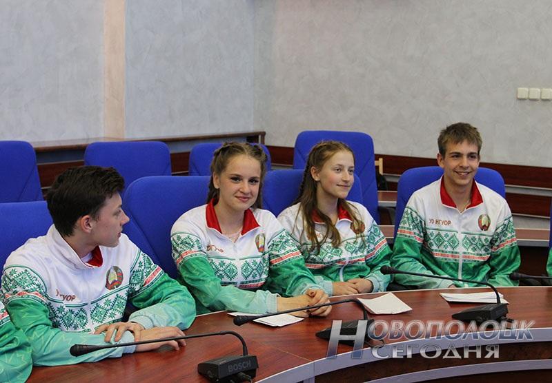 Krivko i Sahonenko v Novopolockom gorispolkome (1)