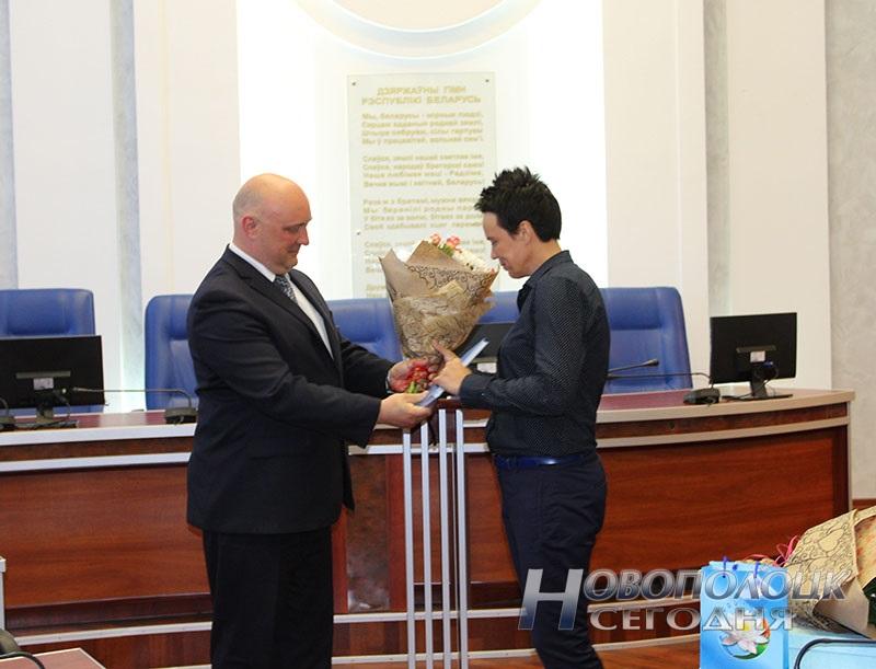 Krivko i Sahonenko v Novopolockom gorispolkome (13)