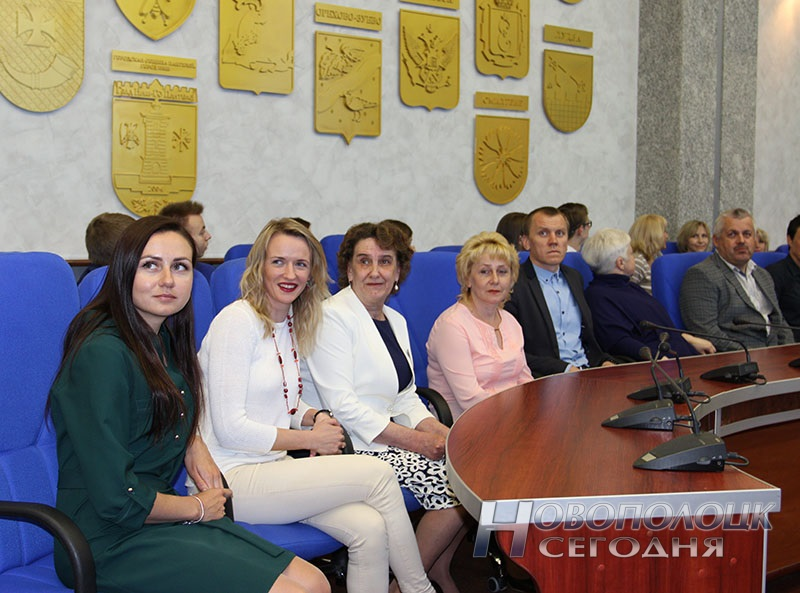 Krivko i Sahonenko v Novopolockom gorispolkome (7)