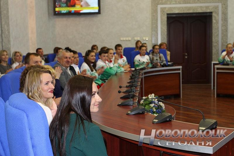 Krivko i Sahonenko v Novopolockom gorispolkome (9)