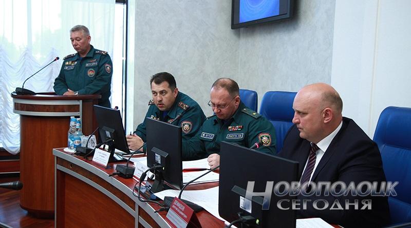 Докладывает начальник Новополоцкого ГОЧС Дмитрий Пивень