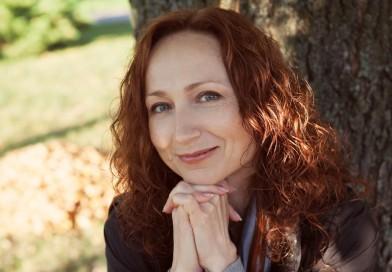 Марина Кругликова: «Мне важно то, что между строк, между смыслов…»