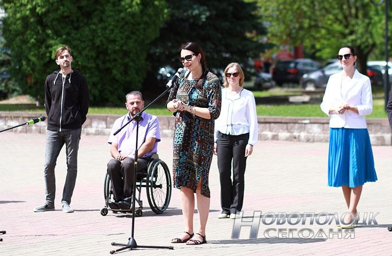 Proekty v licah fotovystavka v Novopolocke (9)