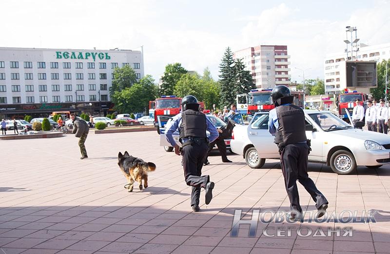 milicejskij razvod na ploshhadi Novopolock (13)