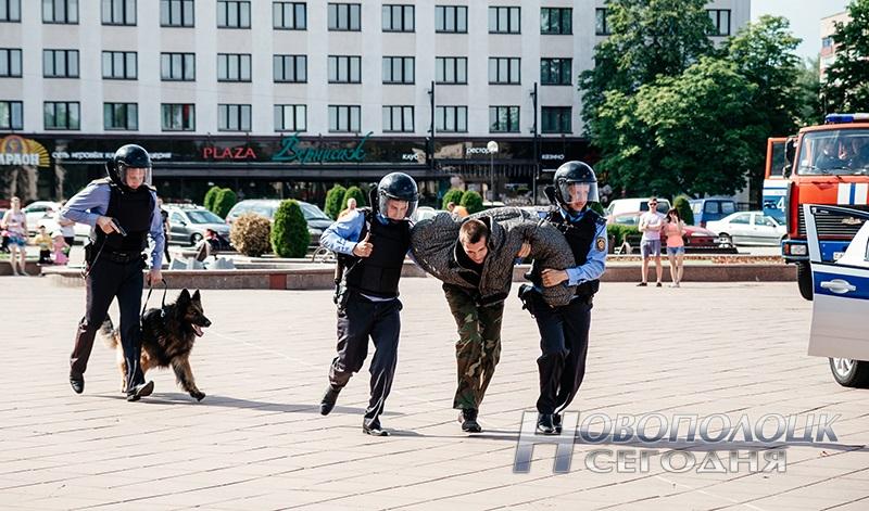 milicejskij razvod na ploshhadi Novopolock (14)