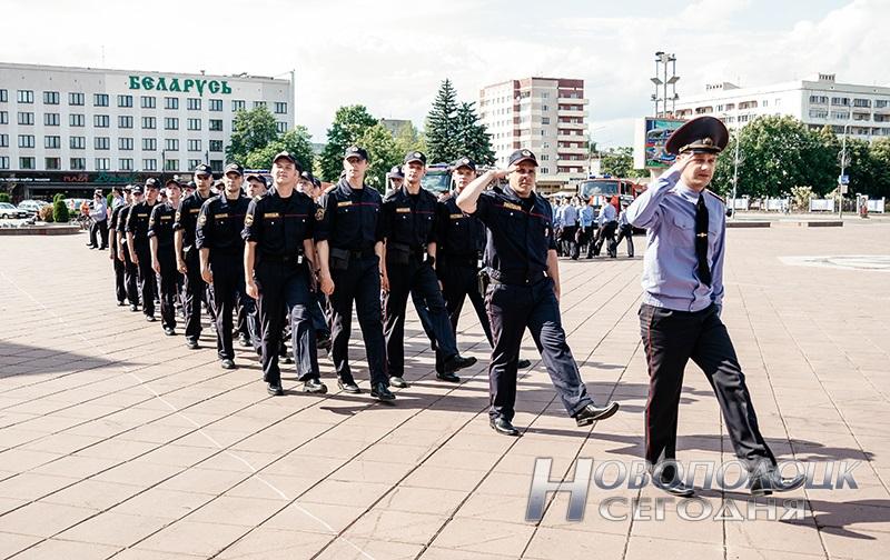 milicejskij razvod na ploshhadi Novopolock (15)