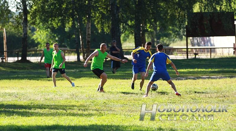 futbol'nyj match mezhdu novopolockim BRSM i PGU turkmeny (1)