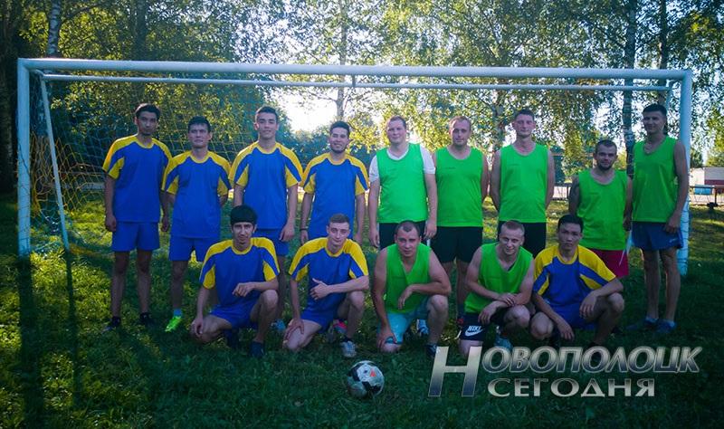 futbol'nyj match mezhdu novopolockim BRSM i PGU turkmeny (4)