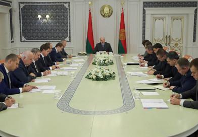 Президент Беларуси провел совещание по итогам переговоров в Сочи