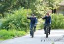 Расстояние равное экватору. Электромонтеры Новополоцкого ЖРЭО Андрей Стрельченко и Артем Маркович на велосипедах накрутили 40 тысяч км на двоих