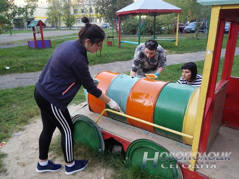 rabotniki novopolockoj gorbol'nicy akcija Dvory dlja detvory (1) - копия
