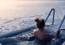 Окунуться в прорубь и не попасть к врачу: 4 совета, как правильно искупаться на Крещение
