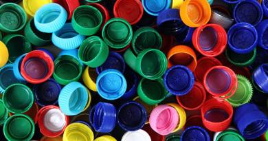 Пример достойный подражания. Новополоцкие энтузиасты собирают пластиковые крышки