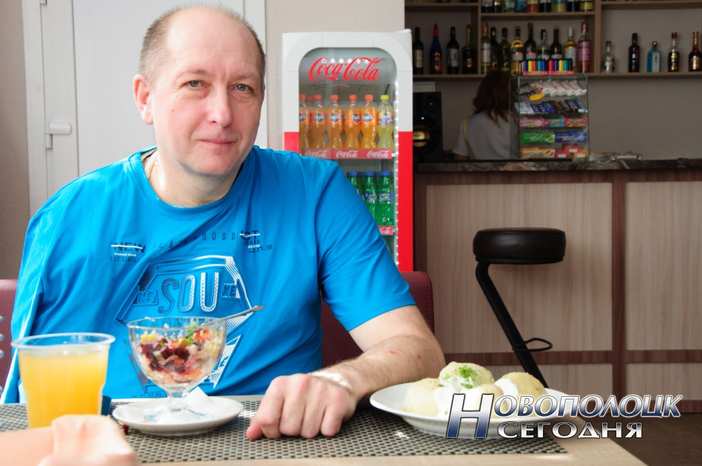 "По словам Дмитрия Астапковича, кухня в кафе-баре ""Олимп"" на высоте"