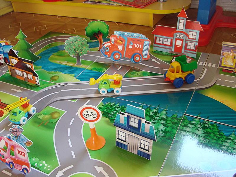 Педагоги яслей-сада №35 г.Новополоцка сами разрабатывают игры, с помощью которых дети учатся  избегать опасных ситуаций и вызывать при необходимости сотрудников МЧС
