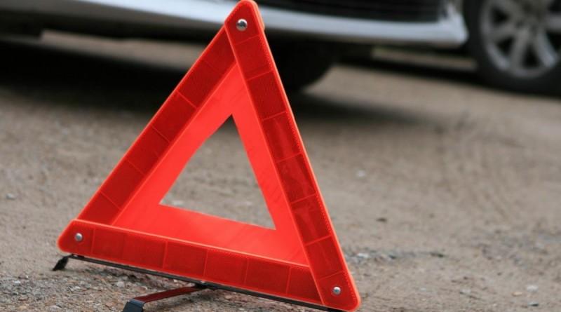 Под Новополоцком столкнулись две легковушки, один из водителей погиб