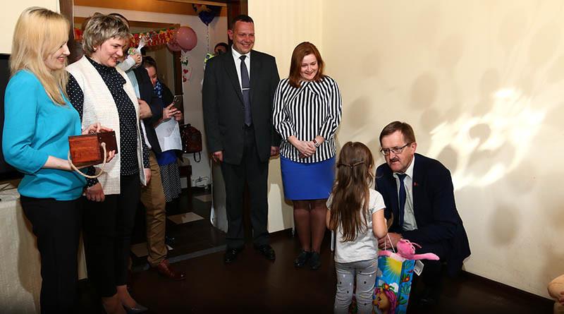 В Новополоцке многодетные семьи поздравили с Днем семьи