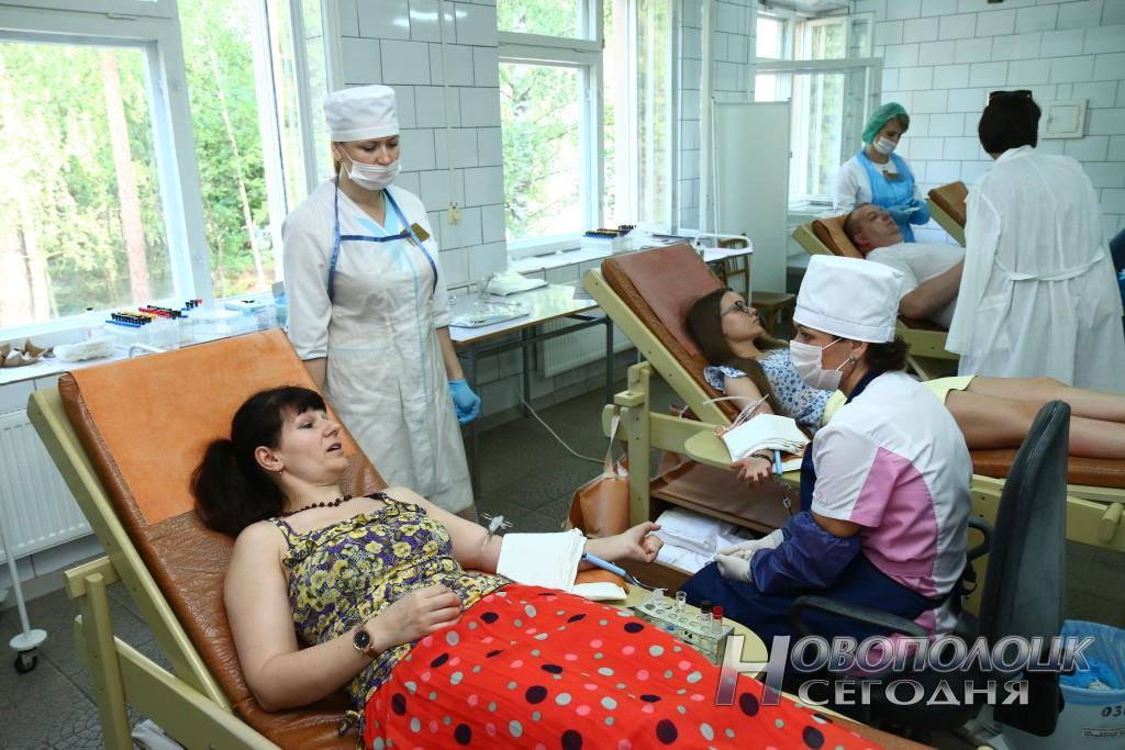 Во Всемирный день донора крови медработники Новополоцка активно поддержали акцию по безвозмездному донорству