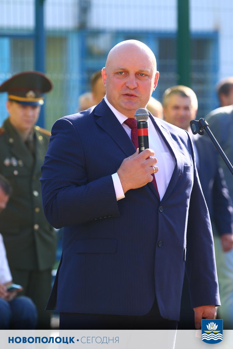 Дмитрий Демидов поздравляет учащихся и педагогов с началом нового учебного года