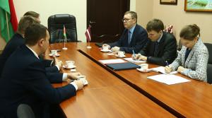 В Новополоцке с визитом находится посол Латвии в Беларуси Эйнарс Семанис