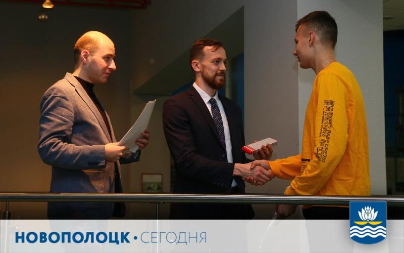 А.Ильин отмечает, что ХК «Химик» в своей деятельности ориентируется не только на спортивную, но и досуговую работу с молодежью