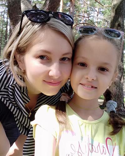 Анна и Дарья Тихоновы