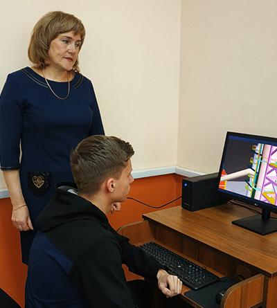 Ирина Антоненкова во время урока
