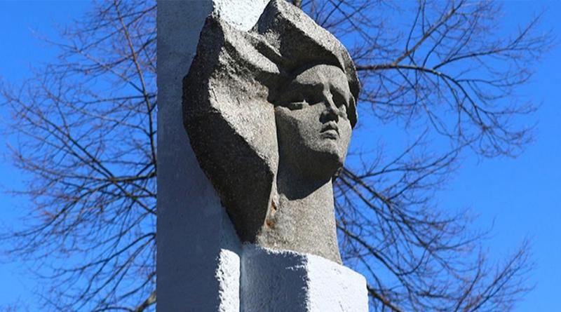 Памятник Костецкой1