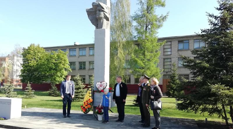 Памятник Костецкой2
