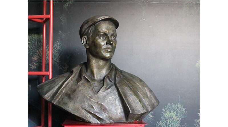Бюст Петра Блохина в музее Нополоцка2