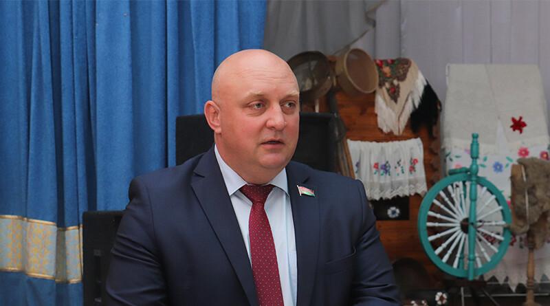 Дмитрий Демидов1