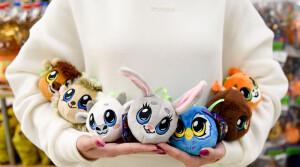 По следам «Бонстиков». «Евроопт» запустил коллекцию мягких елочных игрушек