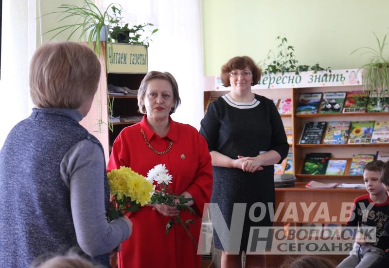 3 Богданова_передача книг5