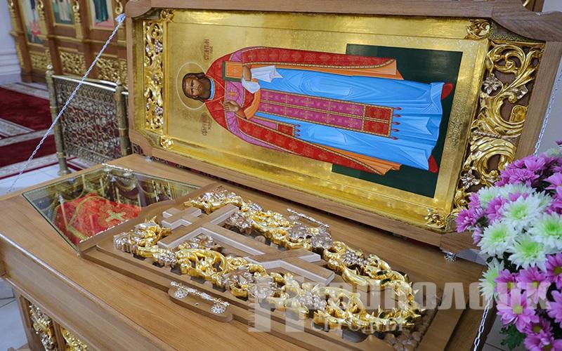 священномученик Константин_рака с мощами1