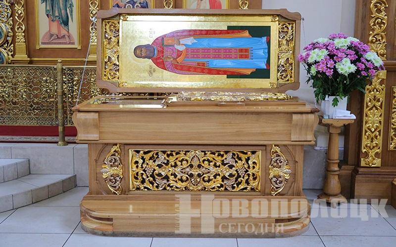 священномученик Константин_рака с мощами2