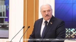 Ключевой принцип - не навредить государству. Александр Лукашенко провел встречу с активом местной вертикали